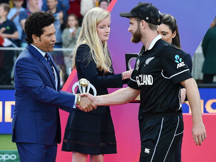 वर्ल्ड कप फायनलमध्ये बाउंड्रीच्या नियमावर बोलला सचिन, आणखी एक सुपर ओव्हर टाकायला हवा होता! क्रिकेट,Cricket - Divya Marathi