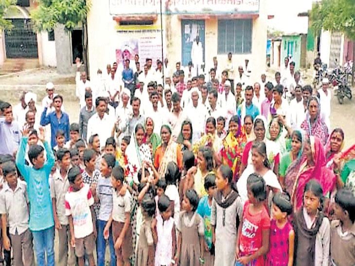पीक कर्ज, विमा मिळाला; कर्जमाफीही मिळाली; आंदाेलन कशासाठी समजेना, हिंगोलीतील विक्रीस काढलेल्या गावातील परिस्थिती|औरंगाबाद,Aurangabad - Divya Marathi