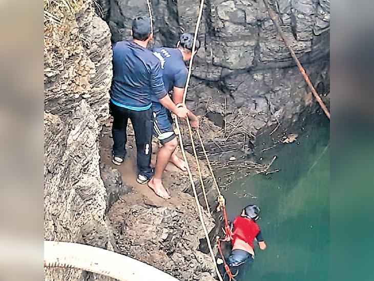 कराडजवळ 30 फूट खाेल विहिरीत पडले बालक; वाचवण्याचे प्रयत्न फाेल कोल्हापूर,Kolhapur - Divya Marathi