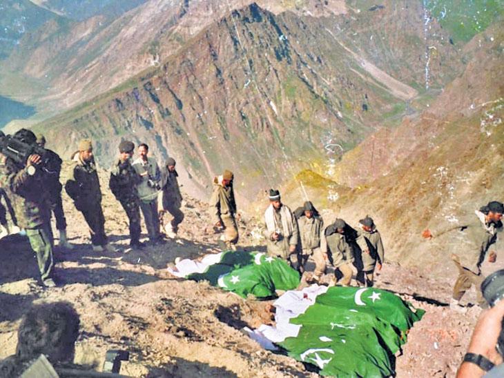 कारगिल विजय : पाकने आपल्या सैनिकांची ओळख नाकारली तेव्हा भारतीय सैन्याने अल्लाह-हू-अकबरच्या घोषणा देत केला  मृत पाक सैनिकांचा अंत्यविधी|देश,National - Divya Marathi