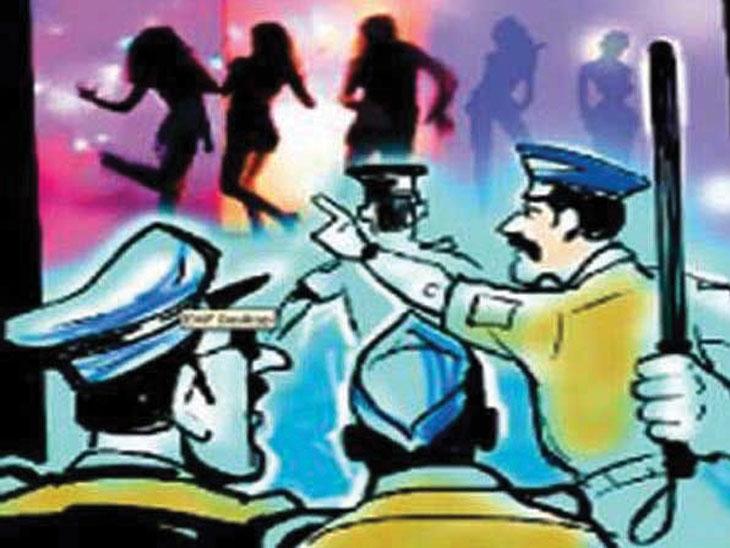 नगरमध्ये आणखी एका सेक्स रॅकेटवर पोलिसांचा छापा, दोन जणांना अटक अहमदनगर,Ahmednagar - Divya Marathi