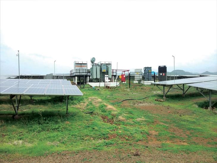 धारूर येथील सौरऊर्जा प्रकल्पात भीषण स्फोट, एका अभियंताचा मृत्यू तर दोघे जण जखमी औरंगाबाद,Aurangabad - Divya Marathi