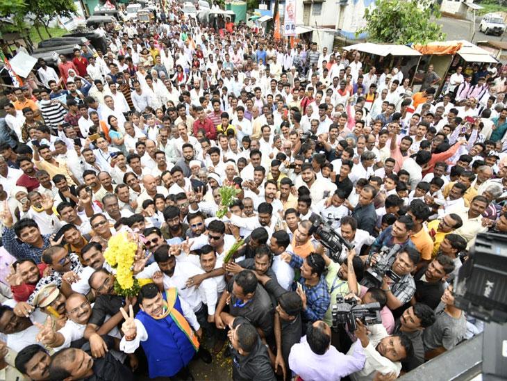 MahaElection : वर्धा जिल्हा कॉंग्रेसमुक्त करून बापूंचे स्वप्न पूर्ण करणार -  मुख्यमंत्री; नागपुरातील महाजनादेश यात्रेवर मात्र पावसाचे सावट  - Divya Marathi