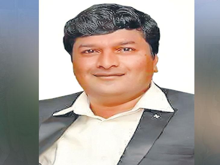 फ्रेंडशिप डे  : फेसबुकवरील कुुबेर मित्रसमूहाने पाच वर्षांत राज्यातील विविध भागांत वाढवली विधायक कामांची श्रीमंती|सोलापूर,Solapur - Divya Marathi