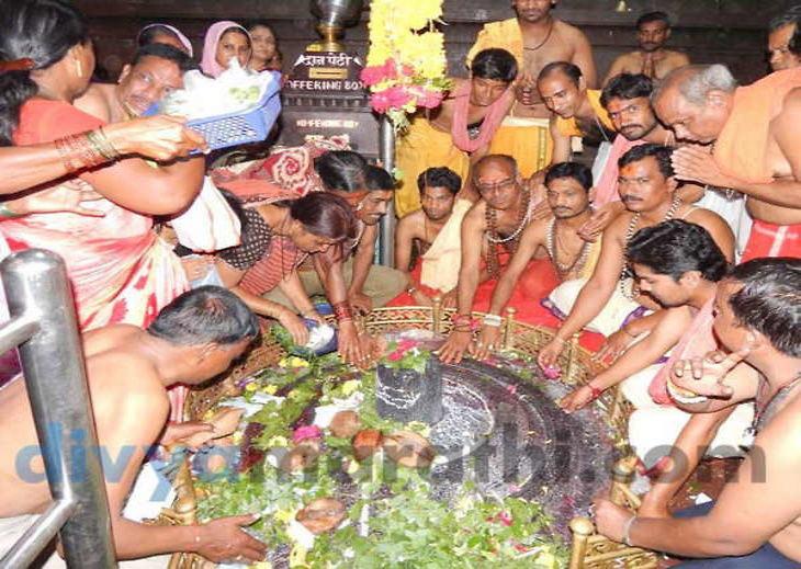 श्रावण सोमवार : एका क्लिकवर घ्या, घृष्णेश्वर ज्योतिर्लिंगाचे दर्शन धर्म,Dharm - Divya Marathi