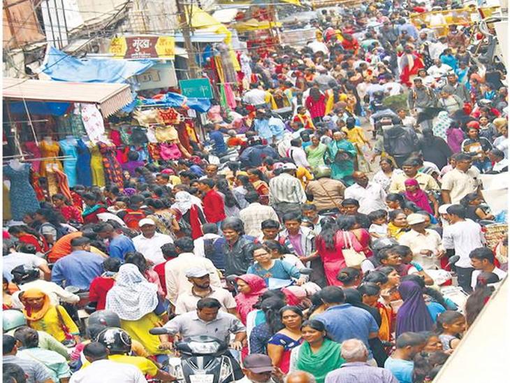 गाेदावरीचा पूर ओसरल्यानंतर उसळला आता खरेदीचा महापूर|औरंगाबाद,Aurangabad - Divya Marathi