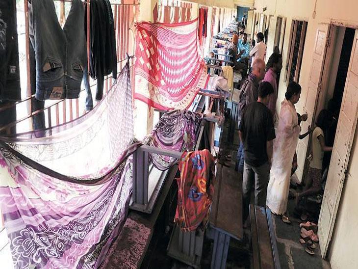 महाप्रलयानंतरचे उपाय  : पूरग्रस्तांसाठी राज्यात ४४१ तात्पुरती निवारा केंद्रे|मुंबई,Mumbai - Divya Marathi