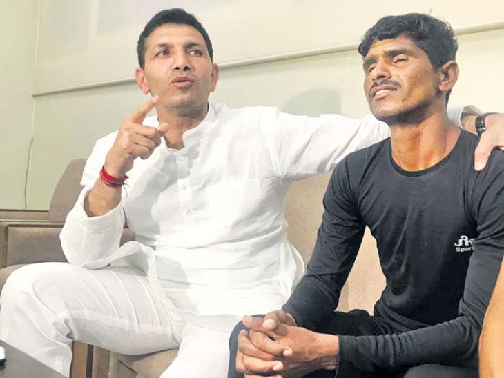 DvM Special : अनवाणी पायाने १०० मीटर अंतर ११ सेकंदांत पार करणारा युवक व्हिडिओत दिसला, केंद्रीय क्रीडामंत्र्यांनी घेतली दखल| - Divya Marathi