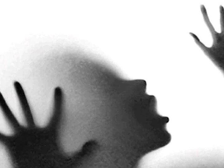 माजी महापौरासह १० जणांवर अहमदनगरमध्ये बलात्काराचा गुन्हा|अहमदनगर,Ahmednagar - Divya Marathi