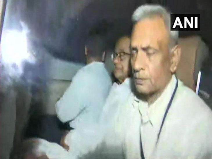 आयएनएक्स घोटाळा : 95 मिनिटांच्या हाय व्होल्टेज ड्राम्यानंतर अखेर माजी अर्थमंत्री पी.चिदंबरम यांना अटक| - Divya Marathi