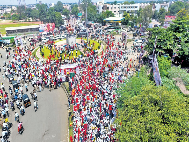 वाढीव आरक्षणासाठी वंजारी समाजाचा बीडमध्ये मोर्चा, राज्यभर होणार आंदोलने| - Divya Marathi