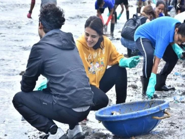 नोरा फातेहीने केली बीचची साफ-सफाई, सोबतच तेथील लोकांसोबत केला डान्स, सर्वानी केले तिचे कौतुक| - Divya Marathi