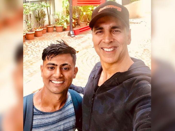 अक्षय कुमारला भेटायला 900 किमी पायी चालत आला चाहता, 18 दिवसांत पूर्ण केला द्वारका ते मुंबईपर्यंतचा प्रवास| - Divya Marathi