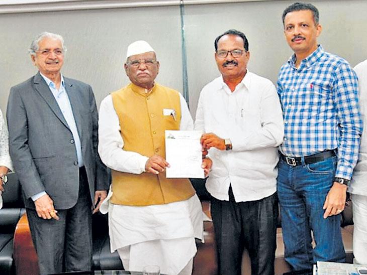MahaElection  : काँग्रेस आमदार कांबळेंच्या राजीनाम्यासाठी उद्धव ठाकरेंनी पाठवले चक्क चार्टर विमान!| - Divya Marathi