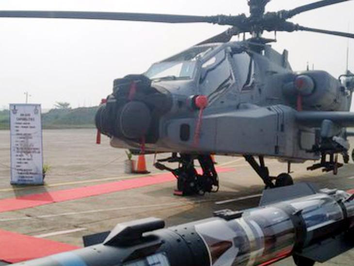 जगातील सर्वात घातक हेलिकॉप्टर आहे अपाचे; एका क्षणात करते शत्रुचा नाश देश,National - Divya Marathi