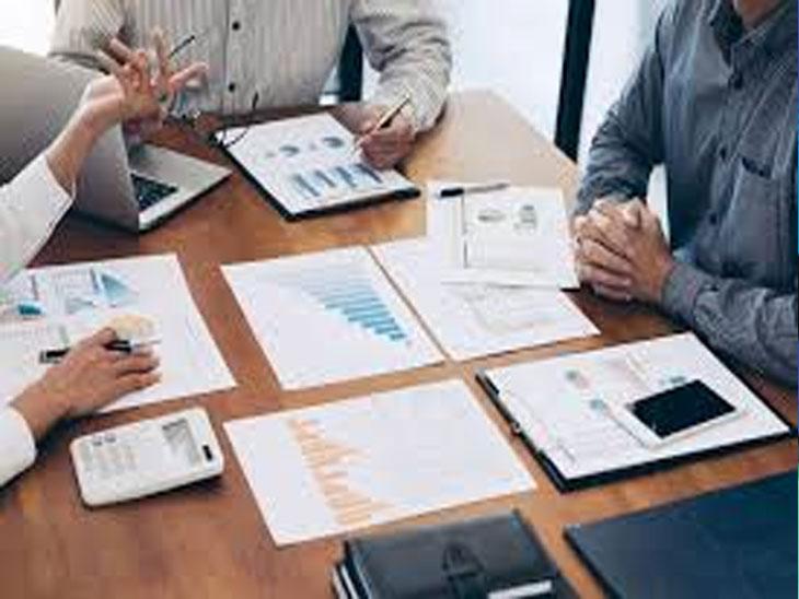 नोकरीच्या संधी  : कृत्रिम बुद्धिमत्ता, यांत्रिकी शिकवण, ग्राहकांशी मधुर नातेसंबंध या युक्ती शिकल्यास विम्याच्या क्षेत्रात जास्त रोजगाराच्या संधी| - Divya Marathi