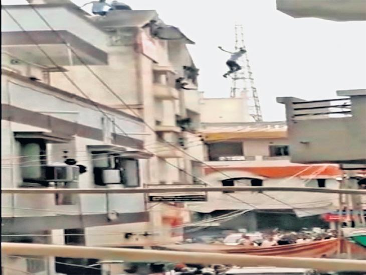 लग्न मोडल्याने तरुणाने इमारतीवरून मारली उडी, लोकांनी वाचवले| - Divya Marathi