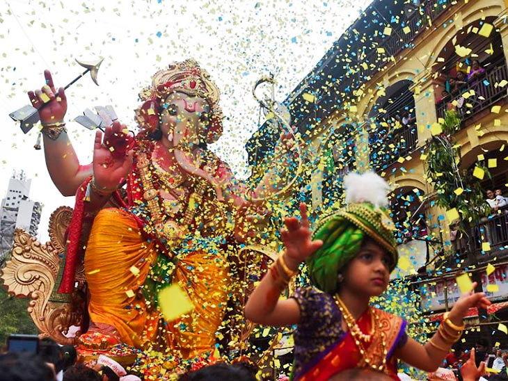 अनंत चतुर्दशी / मुंबईत गाजत-वाजत गणपती विसर्जन|देश,National - Divya Marathi