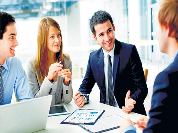 इंग्लंडमध्ये कंपनी सोडून जाऊ नये यासाठी स्वत:चा पगार निश्चित करण्याचे काम कर्मचाऱ्यांकडेच देताहेत कंपन्या  - Divya Marathi