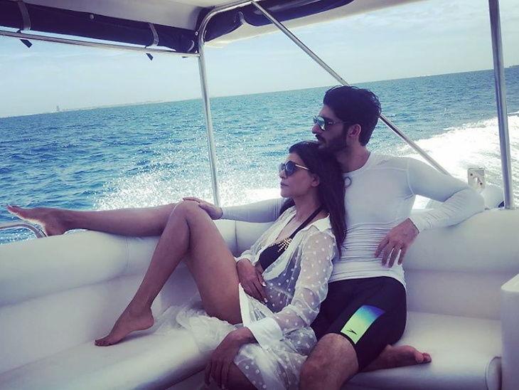 व्हॅकेशन : बॉयफ्रेंड रोहमनसोबत मालदीवमध्ये एन्जॉय करत आहे सुष्मिता  - Divya Marathi