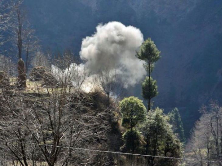 पाकच्या बॅट कमांडोंचा काश्मीरात घुसखोरीचा पुन्हा एकदा प्रयत्न; भारतीय सैन्याने पीओकेमध्ये बॉम्ब टाकून केला नाकाम| - Divya Marathi