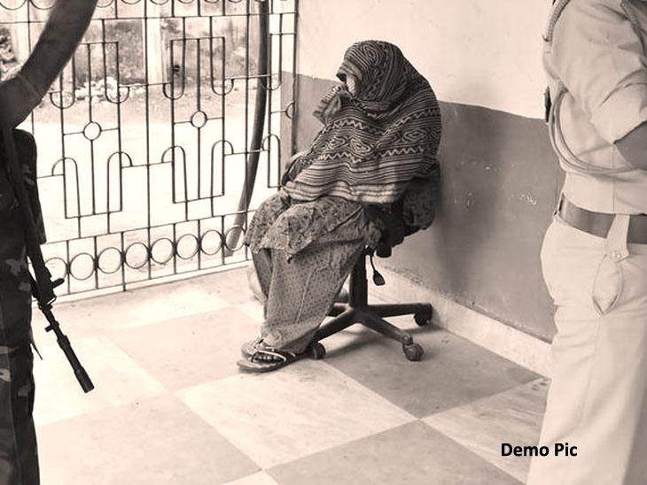 सख्ख्या आईने एका महिन्याच्या मुलीचा गळा आवळला, मग कचरा कुंडीत फेकून शेनाने झाकला मृतदेह|नागपूर,Nagpur - Divya Marathi