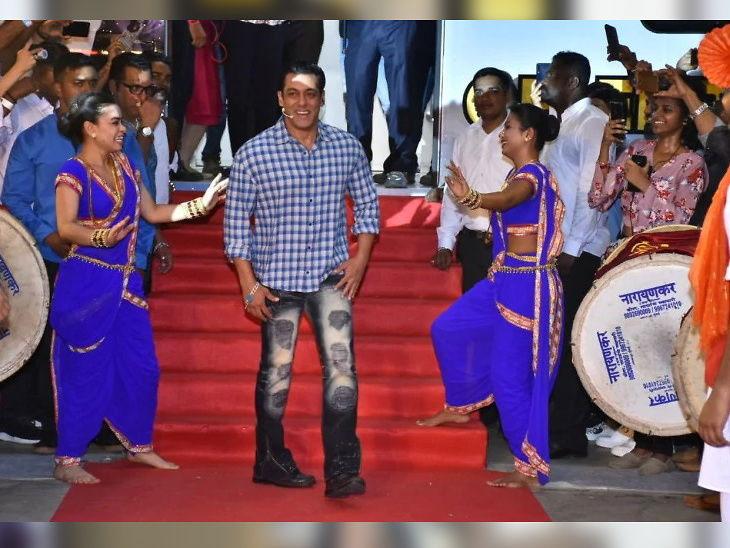 शोच्या लॉन्चिंग इव्हेंटमध्ये सलमान खान फोटोग्राफरवर भडकला; म्हणाला-  तू माझ्यावर बहिष्कार टाक| - Divya Marathi