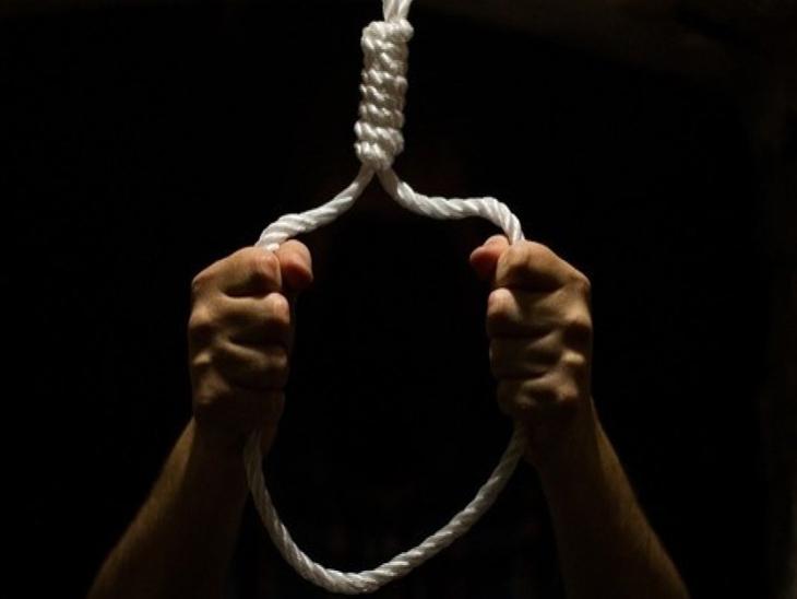 बार्शीत दोन मुलांना ठार करून आई-वडिलांचीही आत्महत्या, आर्थिक विवंचनेतून घेतला टोकाचा निर्णय|सोलापूर,Solapur - Divya Marathi