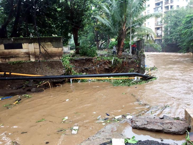 फोटोंमध्ये पाहा पुण्यातील मुसळधार पाऊस आणि पुराचे चित्र...|पुणे,Pune - Divya Marathi