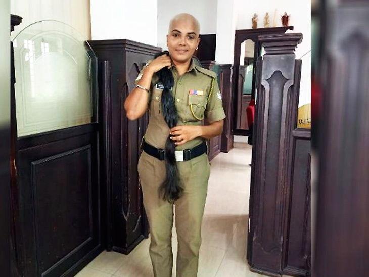 महिला पोलिस अधिकाऱ्याने कँसरग्रस्ताना विग बनवण्यासाठी आपले केस दान केले, सर्वांकडून होत आहे कौतुक| - Divya Marathi