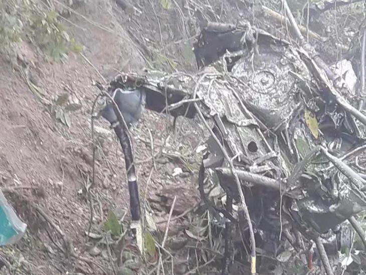 भूतानमध्ये भारतीय लष्कराच्या हेलिकॉप्टरचा अपघात, दोन पायलट शहीद  - Divya Marathi