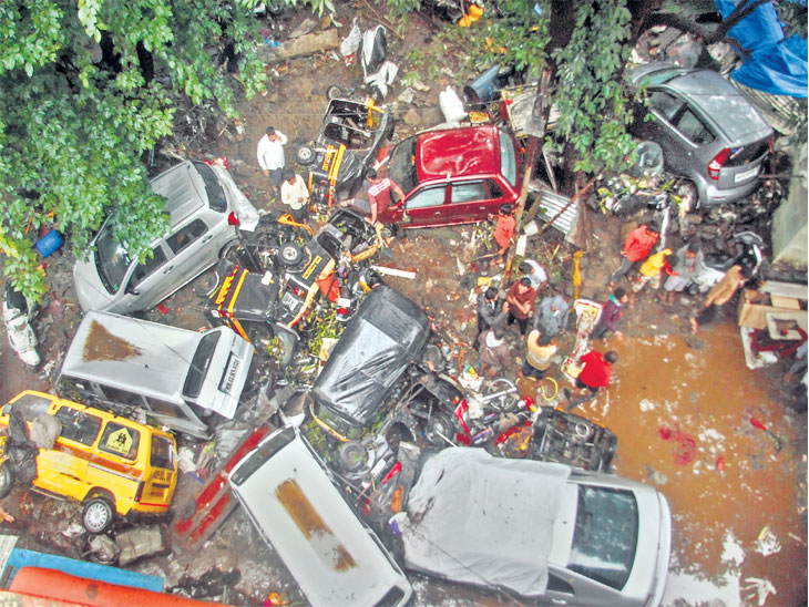 रात्रभर पुणेकर वेठीला; राज्यात पावसाचे 29 बळी, एनडीआरएफच्या पथकाने 300 लाेकांना वाचवले|पुणे,Pune - Divya Marathi