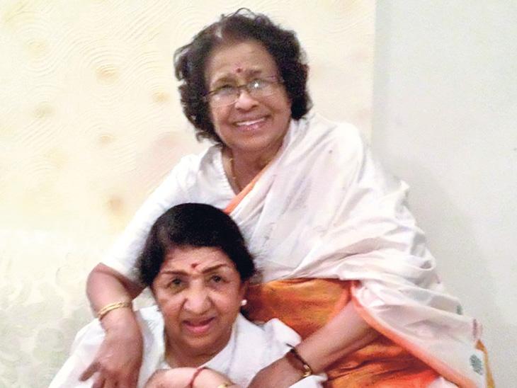 यशाच्या उच्च शिखरावर असूनही स्वत:ला सामान्य व्यक्ती समजतात गानकोकिळा लता मंगेशकर...| - Divya Marathi