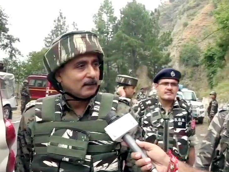 काश्मीरमध्ये नवरात्रापूर्वी तीन ठिकाणी हल्ले; ४ अतिरेकी ठार| - Divya Marathi