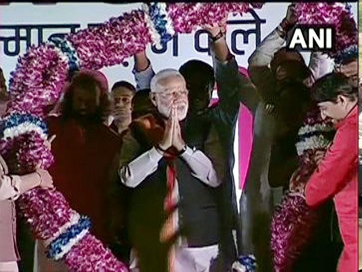अमेरिका दौऱ्यानंतर पंतप्रधान मोदी दिल्लीत परतले, पदाधिकाऱ्यांनी पालम विमानतळावर केले स्वागत| - Divya Marathi
