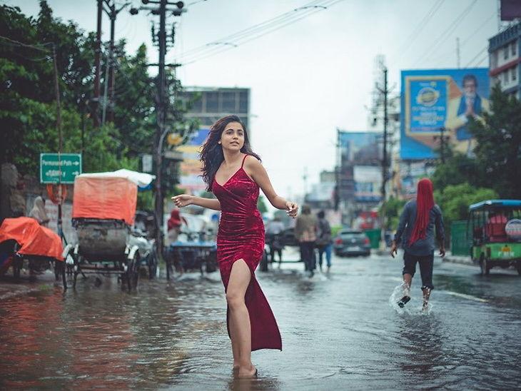 पाटण्यातील फॅशन डिझायनर विद्यार्थिनीचे पूरग्रस्त भागातील फोटोशूट व्हायरल| - Divya Marathi