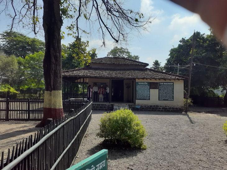 सेवाग्राम येथील आणखी फोटोज पाहण्यासाठी पुढील स्लाइडवर क्लिक करा... - Divya Marathi