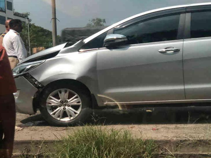 राज ठाकरे कुटुंबियांच्या कारला अपघात, राज यांच्या पत्नी आणि ड्रायव्हर किरकोळ जखमी|मुंबई,Mumbai - Divya Marathi