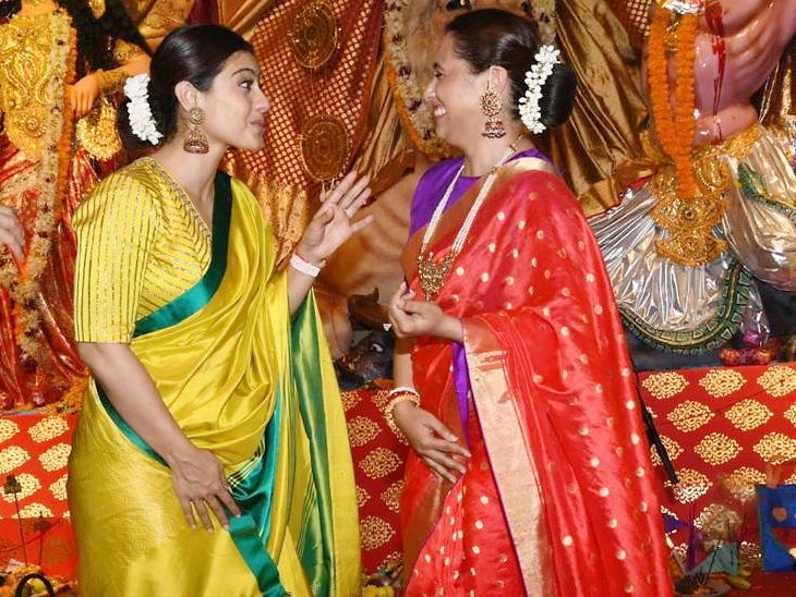 देवीच्या दर्शनासाठी दुर्गा पूजेमध्ये पोहोचले अमिताभ बच्चन, काजोल, राणी, त्यांची फॅमिलीदेखील दिसली| - Divya Marathi