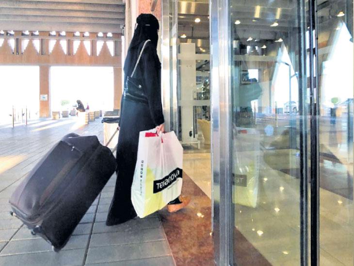 साैदी अरेबियात परदेशी महिला-पुरुष पर्यटक हाॅटेलात एकत्र राहू शकणार, साैदी महिलांनाही रूम बुक करता येणार!| - Divya Marathi