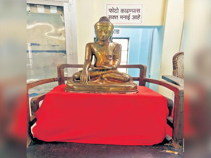बाबासाहेबांनी धम्मदीक्षेसाठी मध्य प्रदेशच्या मुख्यमंत्र्यांकडून घेतली होती बुद्धमूर्ती|नागपूर,Nagpur - Divya Marathi