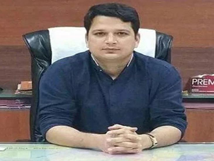 कार्यालयात प्लास्टिक कप वापरल्याने बीडच्या जिल्हाधिकाऱ्यांनी स्वतःवरच लावला 5000 रुपये दंड|औरंगाबाद,Aurangabad - Divya Marathi