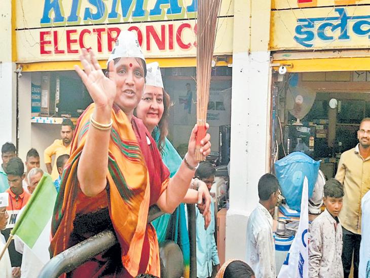 दारूबंदीसाेबतच महिलांवरील अन्यायाविरुद्ध लढा : अॅड. पाराेमिता गाेस्वामी| - Divya Marathi