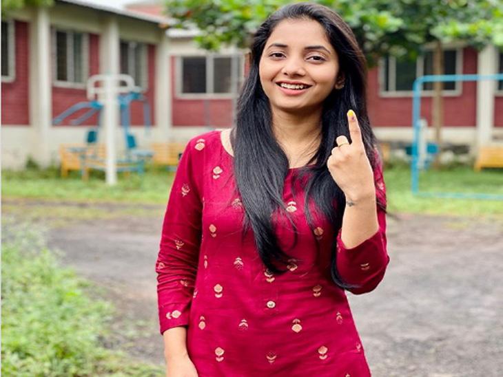अभिनेत्री सायली संजीव - Divya Marathi