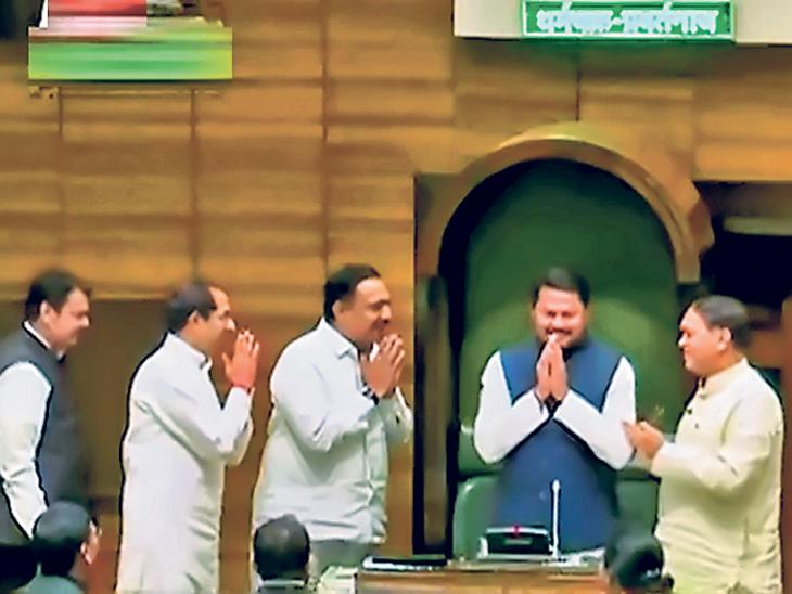 विधानसभा अध्यक्ष पटाेले यांचे अभिनंदन करताना मुख्यमंत्री उद्धव ठाकरे, जयंत पाटील, फडणवीस आणि वळसे. - Divya Marathi