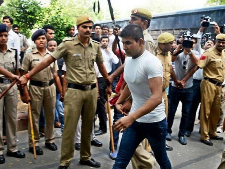 राष्ट्रपतींकडे दयेचा अर्ज पाठवणारा निर्भया प्रकरणातील एकमेव दोषी होता विनय - Divya Marathi