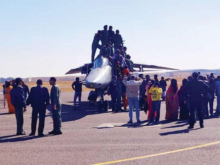 मिग-27 चा प्रवास जोधपूर एअरबेसवरून 38 वर्षांपूर्वी 1981 मध्ये सुरू झाला होता. - Divya Marathi