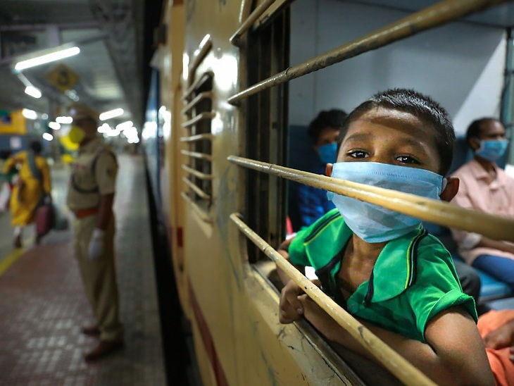 श्रम एक्स्प्रेस केरळच्या एर्नाकुलम ते ओडिशाच्या भुवनेश्वरपर्यंत चालविण्यात आली आहे. - Divya Marathi