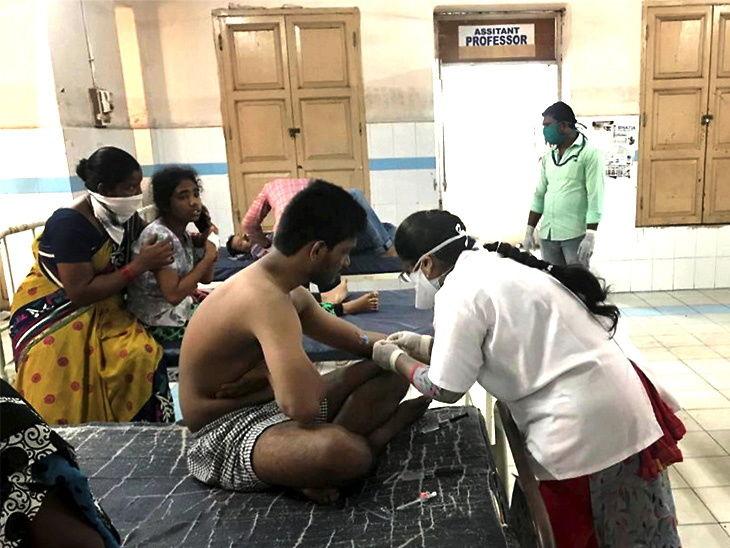 पीडितांना रुग्णालयात दाखल करण्यात आले
