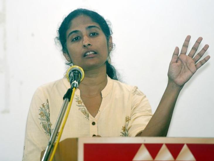 मुक्ता दाभोलकर (फाइल फोटो) - Divya Marathi